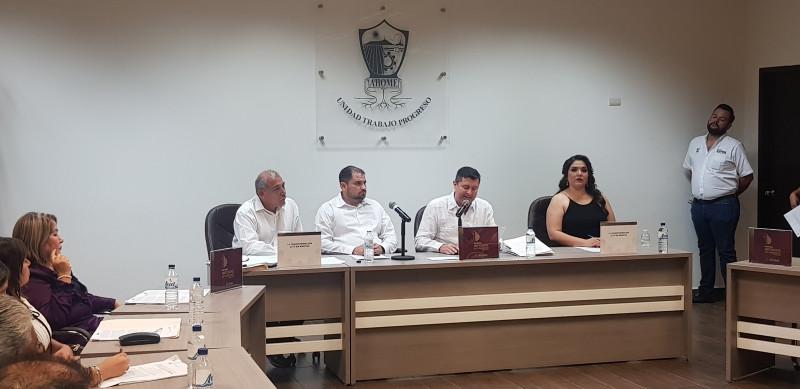 Entrega el alcalde de Ahome el primer informe de labores