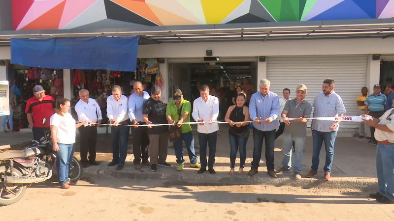 Inauguran remodelación del Mercado Popular