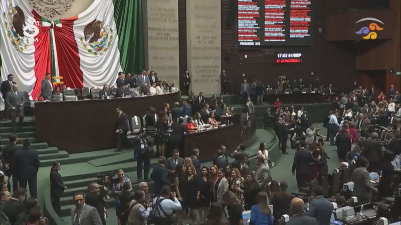 Los Diputados Federales que votaron a favor del incremento en el cobro del agua , son traidores : UGRS