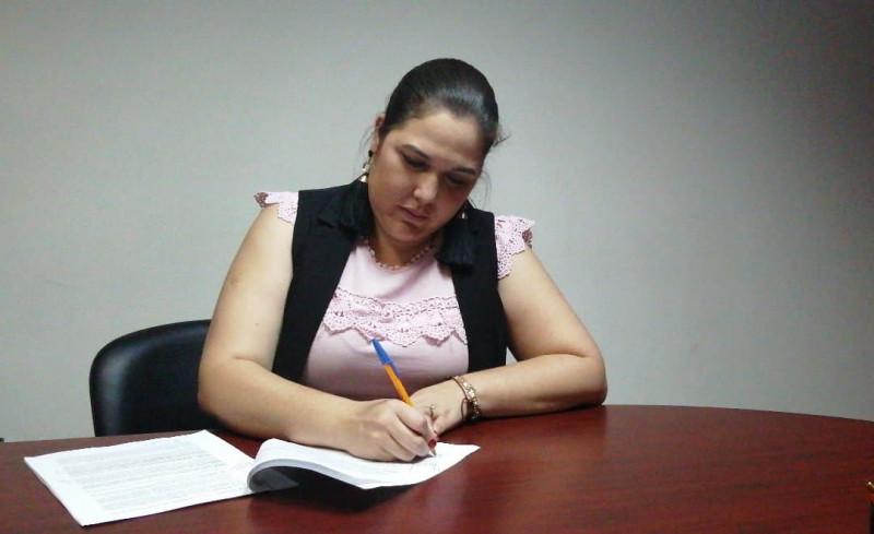 Firma Síndica y funcionarios crédito para Ahome