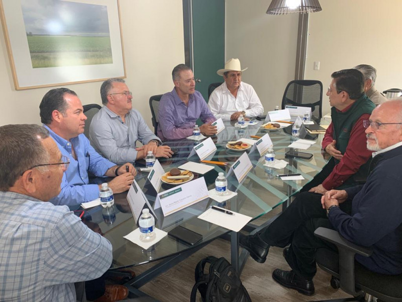 Gobernador de Sinaloa y dirigentes agrícolas se reúnen con titular de Segalmex