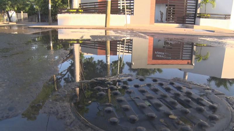 Fuga de agua en el sector Arboledas