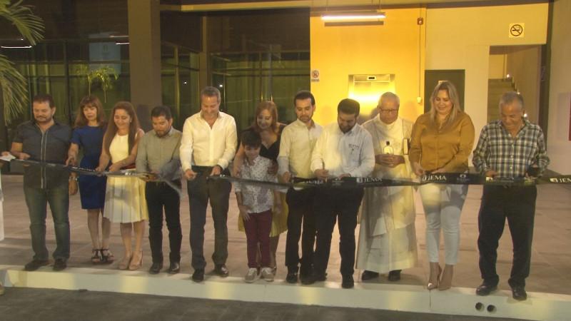 Inauguran plaza comercial Bosques del Rey