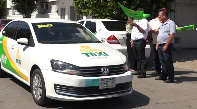 """Eco taxis verdes lanzan """"Apply Taxy"""""""
