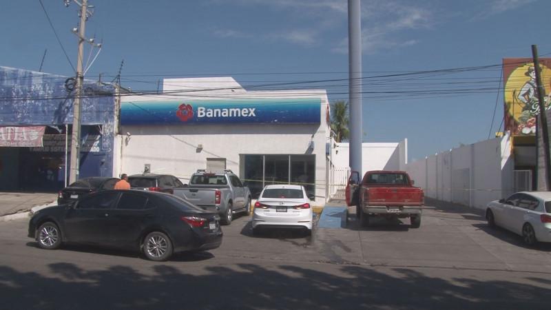Roban mas de 2 millones de pesos de sucursal bancaria en Culiacán