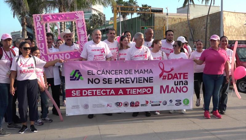 Realizan marcha para la detección oportuna del cáncer de mama