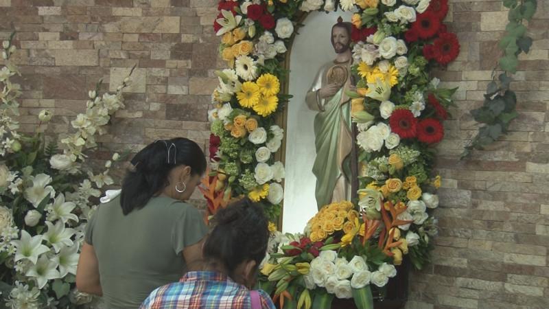 Fieles celebran a San Judas Tadeo en su día