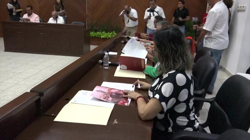 Entrega el Químico informe al cabildo en sesión express