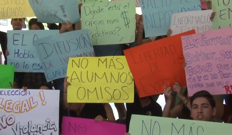 Alumnos y Maestros protestan en FACIMAR por votaciones