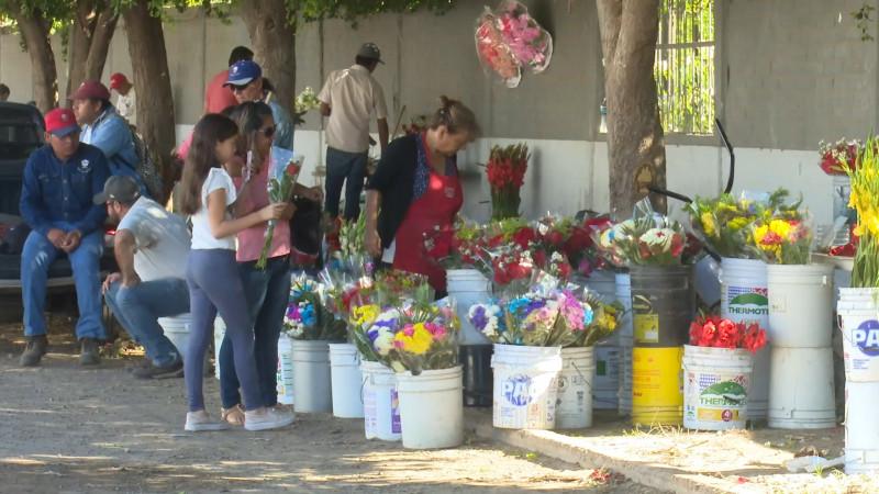 Acuerdan precio oficial de las flores