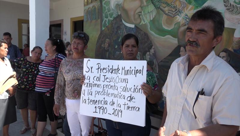 Llevan protesta al Ayuntamiento, claman por certeza en sus viviendas