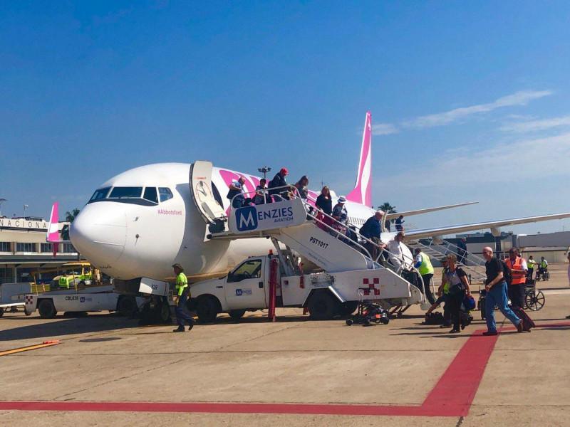Llega a Mazatlán el primer vuelo de Edmonton, Canadá