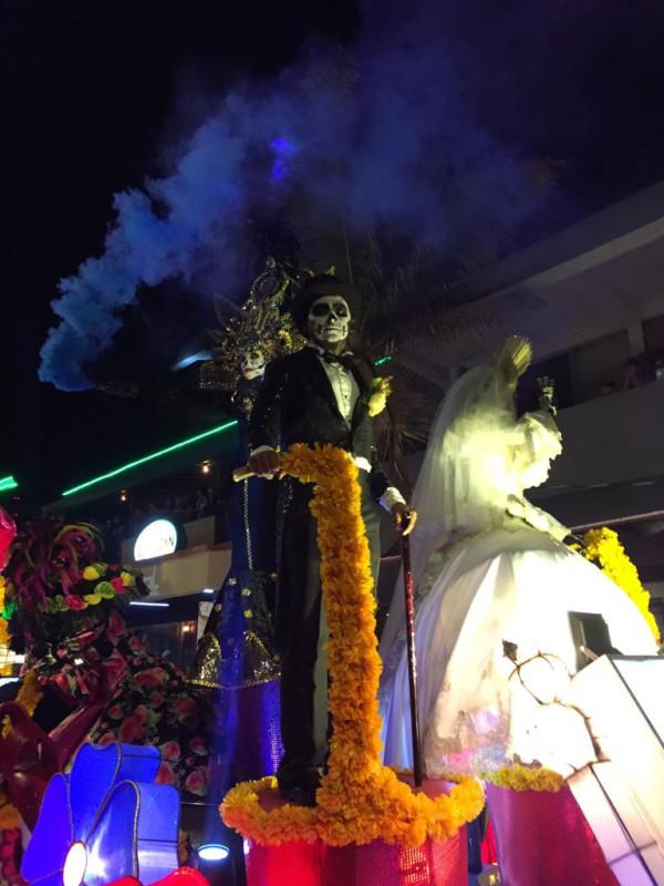 "Se ""apodera"" la catrina del Centro Histórico en Callejoneada"