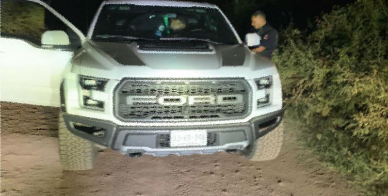 Policía Federal recupera camioneta