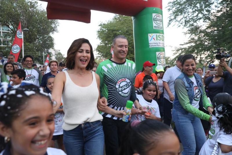 """Inaugura Quirino el """"Paseo de la Alegría"""" en el Parque Las Riberas"""