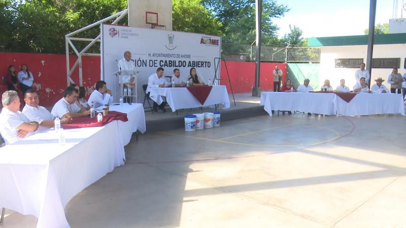 Ayuntamiento lleva apoyos a El Guayabo