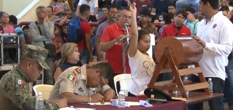"""Realizan en Mazatlán, Sorteo del SMN """"Clase 2001"""""""