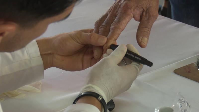 Lleva salud municipal acciones contra la diabetes a la zona 30