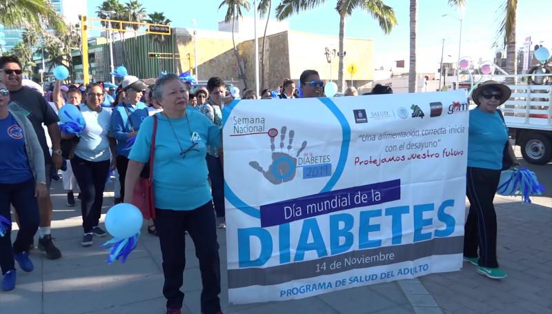 Sector salud realiza caminata por el Día Mundial de la Diabetes