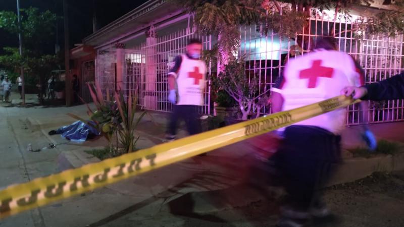 Asesinan a balazos a una persona en la Colonia Lázaro Cárdenas de Culiacán