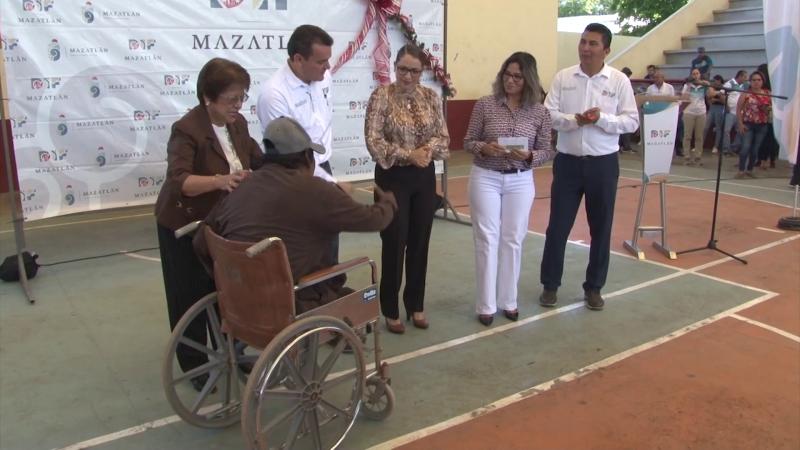 Entrega DIF Mazatlán apoyos a discapacitados y adultos mayores