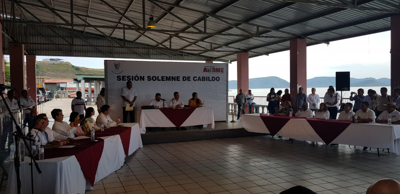 Realizan sesión solemne de cabildo en Topolobampo