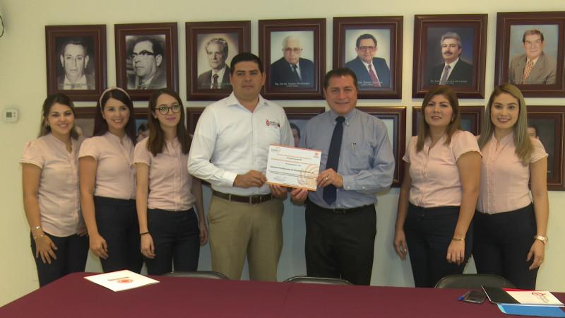 Recibe Patronato Pro-Educación certificación de transparencia