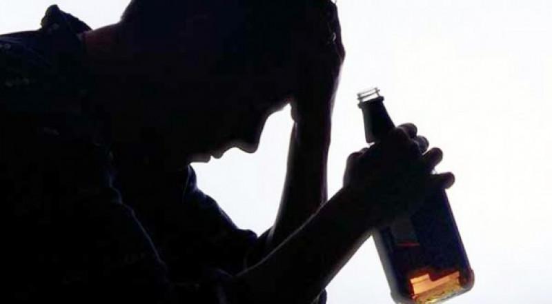 ¿Tienes un amigo con problemas de alcoholismo? Esto te interesa