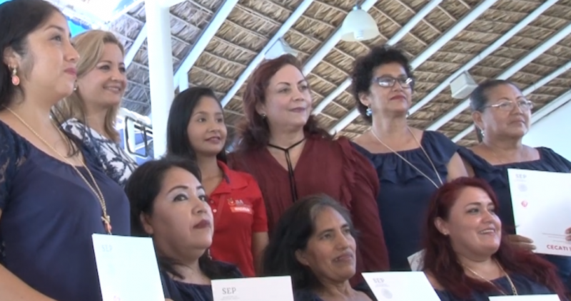 Mujeres concluyen curso de capacitación, apoyo otorgado por Banco de Alimentos