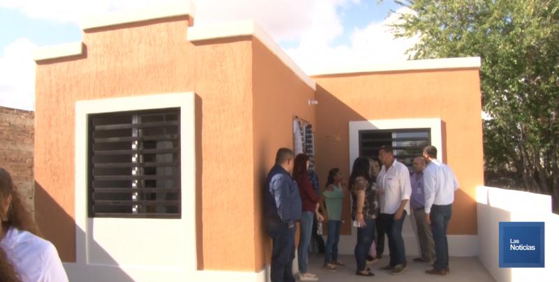 Entrega DIF y Ayuntamiento vivienda a familia de escasos recursos