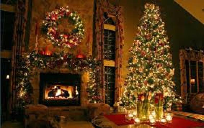 Pino navideño símbolo de amor, fe y esperanza