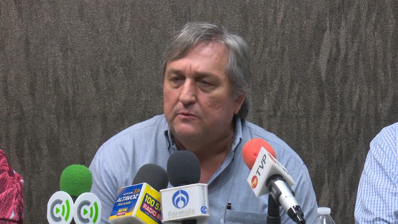 """Diputados federales solo son """"paleros"""" del presiente de la republica: AARFS"""