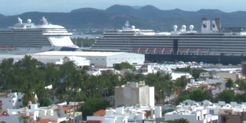 Arriban a Mazatlán 3 cruceros turísticos en un día