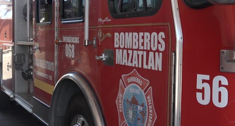 Bomberos Mazatlán emite recomendaciones para uso de decoraciones navideñas