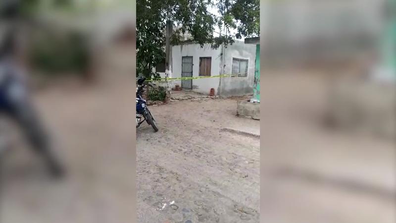 Encuentran a mujer muerta en su casa