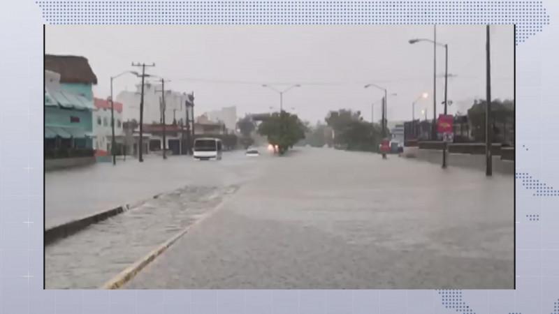 San Ignacio y Mazatlán recibieron las lluvias mas intensas , generando desbordamiento de arroyos e inundaciones