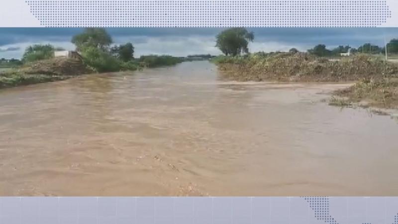 Lluvias afectan comunidades en Navolato
