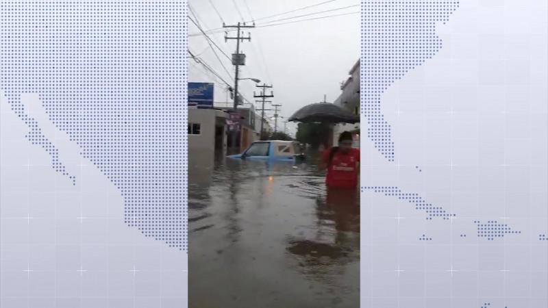 Deja lluvia 'caos' en El Toreo