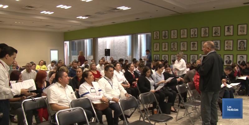 Imparten curso Farmacovigilancia para evitar riesgos en la salud