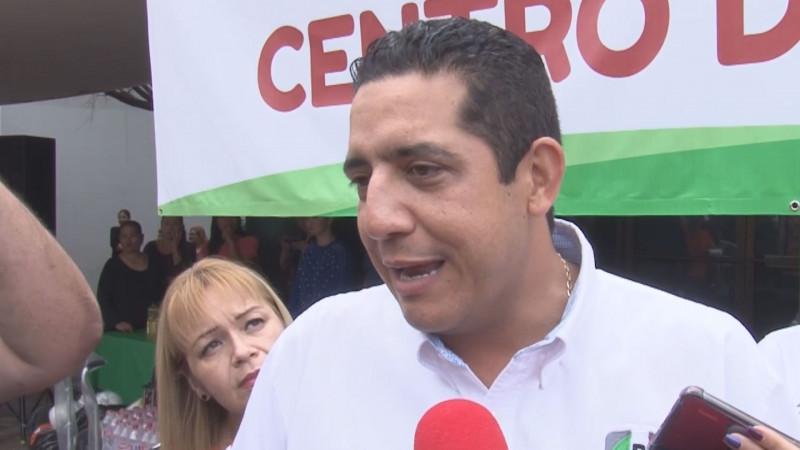 Jesús Valdés  no concuerda el mensaje de austeridad de Legisladores Federales