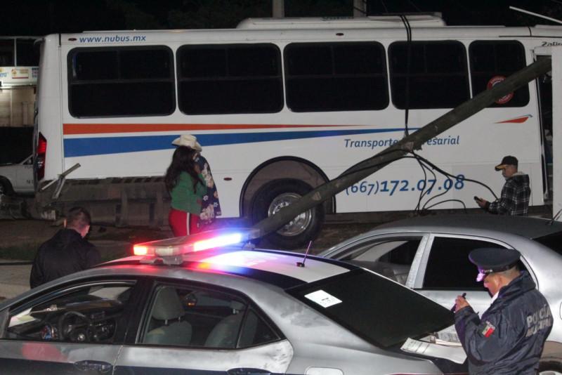 Vecinos estuvieron a punto de linchar a chofer de transporte de personal