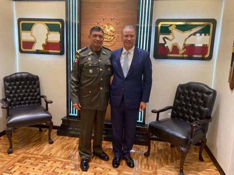Gobernador Quirino se reúne con Secretario de la Defensa Nacional