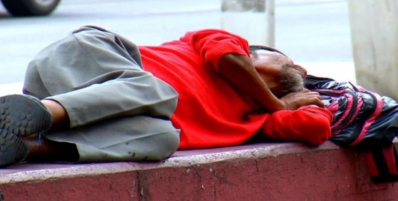Atento el DIF Sinaloa para atender a indigentes en el frío