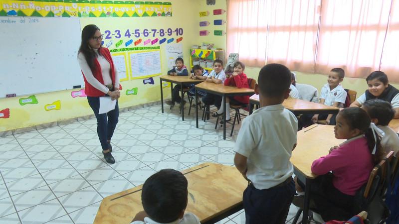 Maestra de primaria pide apoyo para sus alumnos