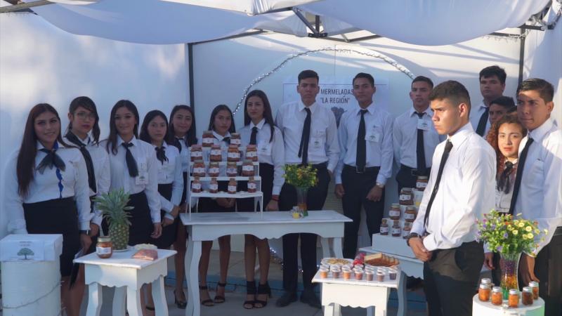 Realizan Feria Empresarial alumnos de la UAS