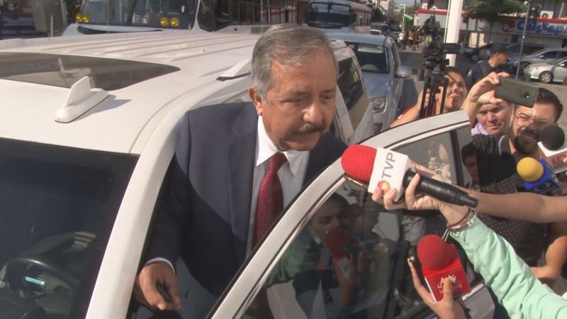 Por problemas de baches Alcalde llama mentirosos a TVP y Linea Directa