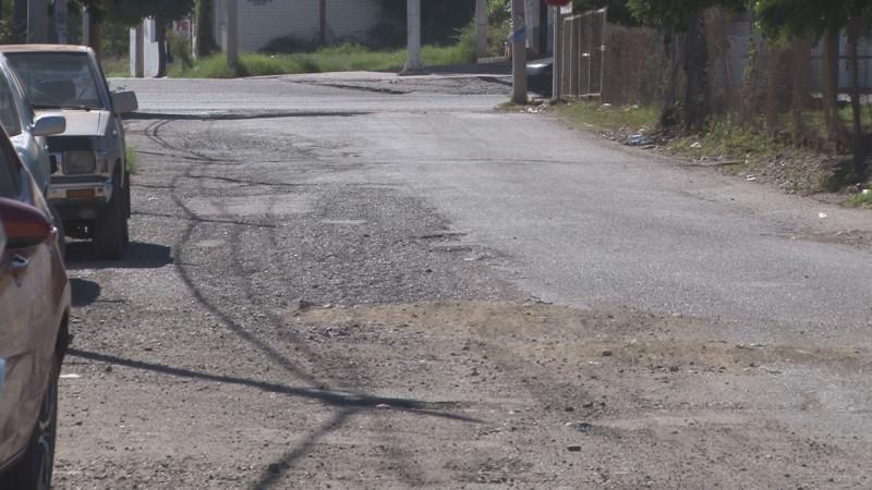 Calle #2 fue asfaltada por vecinos no por ayuntamiento