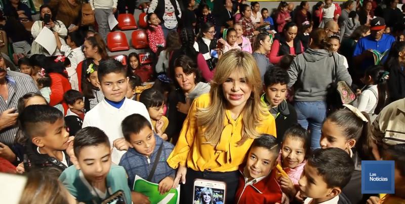 Con becas reconocen a miles de estudiantes en Sonora