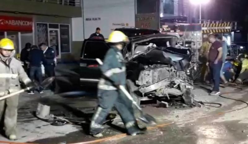 Deja cinco lesionados aparatoso accidente