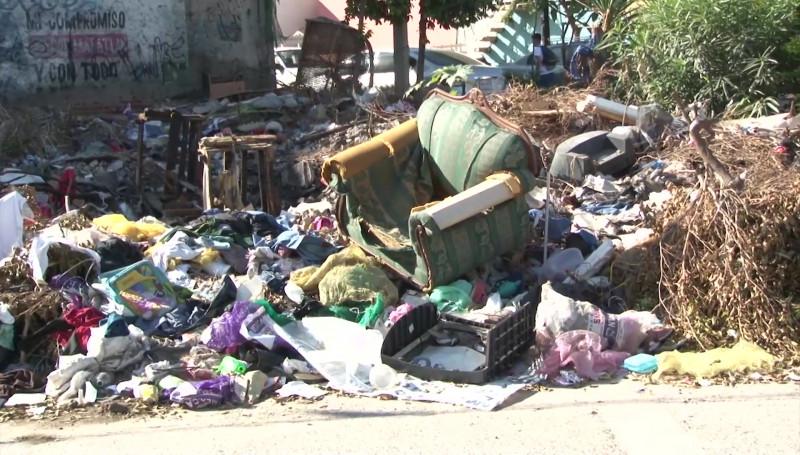 Denuncian vecinos vertedero de basura en la Colonia Montuosa